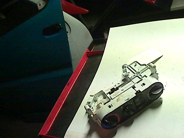 frontlykter til nissan primera p2 2003 modell